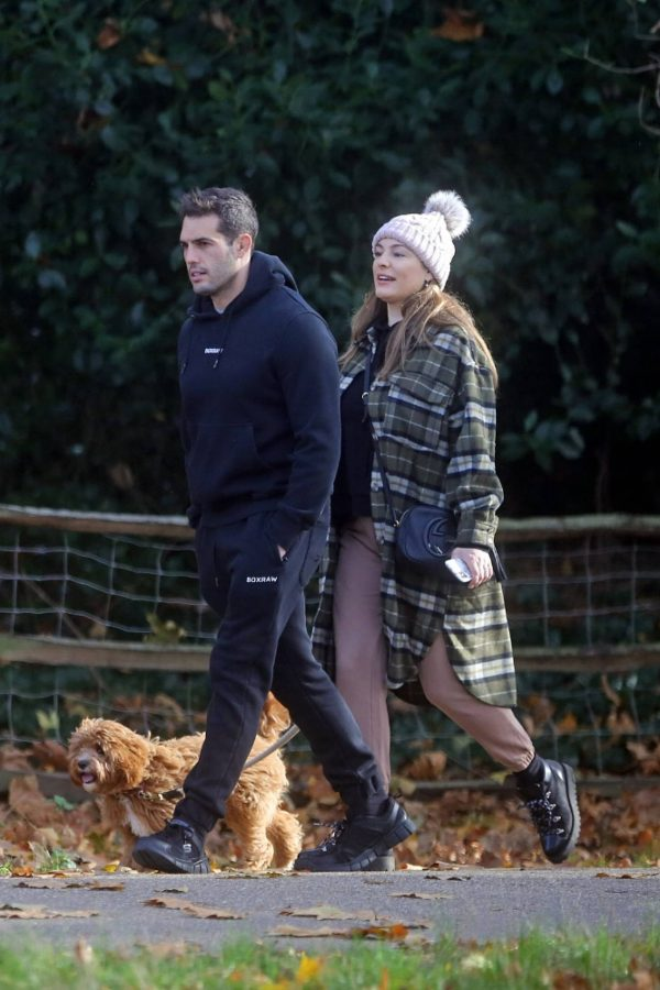 Kelly Brook and Jeremy Parisi take their puppy Teddy for a walk in Hampstead 05