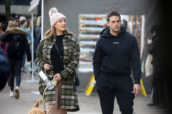 Kelly Brook and Jeremy Parisi take their puppy Teddy for a walk in Hampstead 06