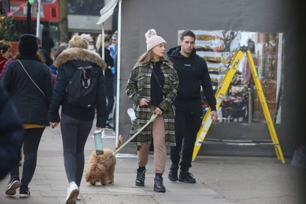 Kelly Brook and Jeremy Parisi take their puppy Teddy for a walk in Hampstead 10