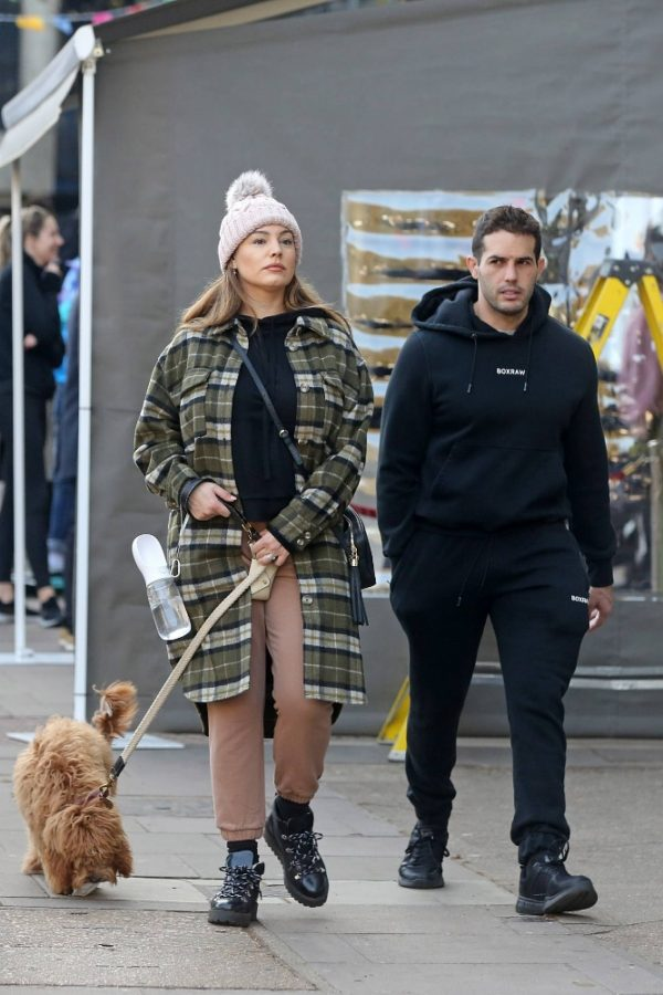 Kelly Brook and Jeremy Parisi take their puppy Teddy for a walk in Hampstead 11