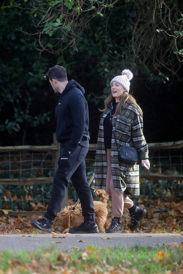 Kelly Brook and Jeremy Parisi take their puppy Teddy for a walk in Hampstead 12