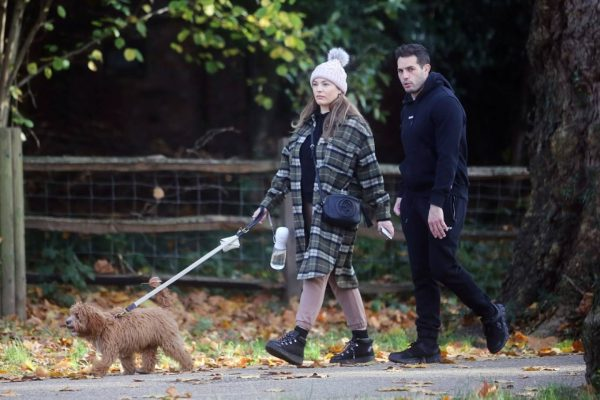 Kelly Brook and Jeremy Parisi take their puppy Teddy for a walk in Hampstead 13