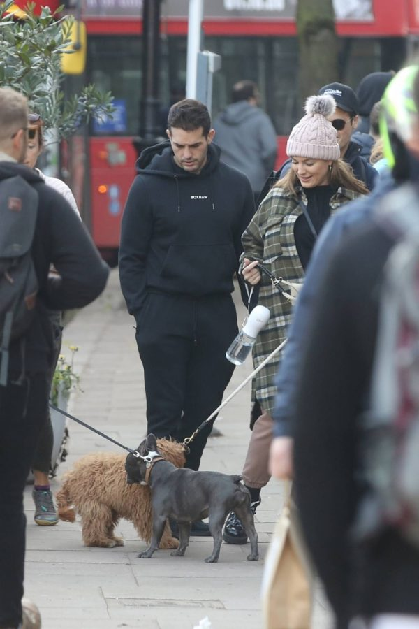 Kelly Brook and Jeremy Parisi take their puppy Teddy for a walk in Hampstead 15