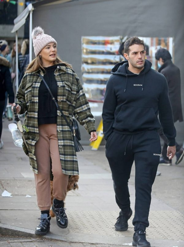 Kelly Brook and Jeremy Parisi take their puppy Teddy for a walk in Hampstead 23