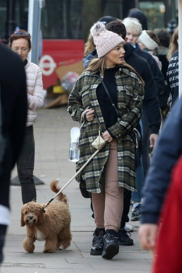 Kelly Brook and Jeremy Parisi take their puppy Teddy for a walk in Hampstead 24