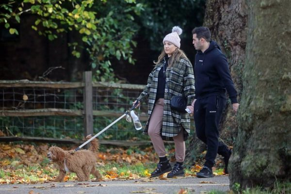 Kelly Brook and Jeremy Parisi take their puppy Teddy for a walk in Hampstead 25