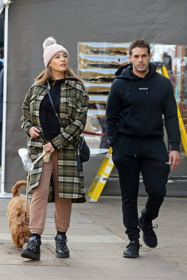 Kelly Brook and Jeremy Parisi take their puppy Teddy for a walk in Hampstead 30