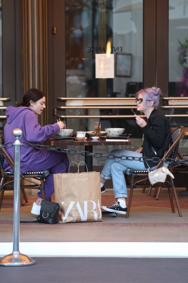 Kelly Osbourne Shopping candids with a friend at The Grove in Los Angeles 05