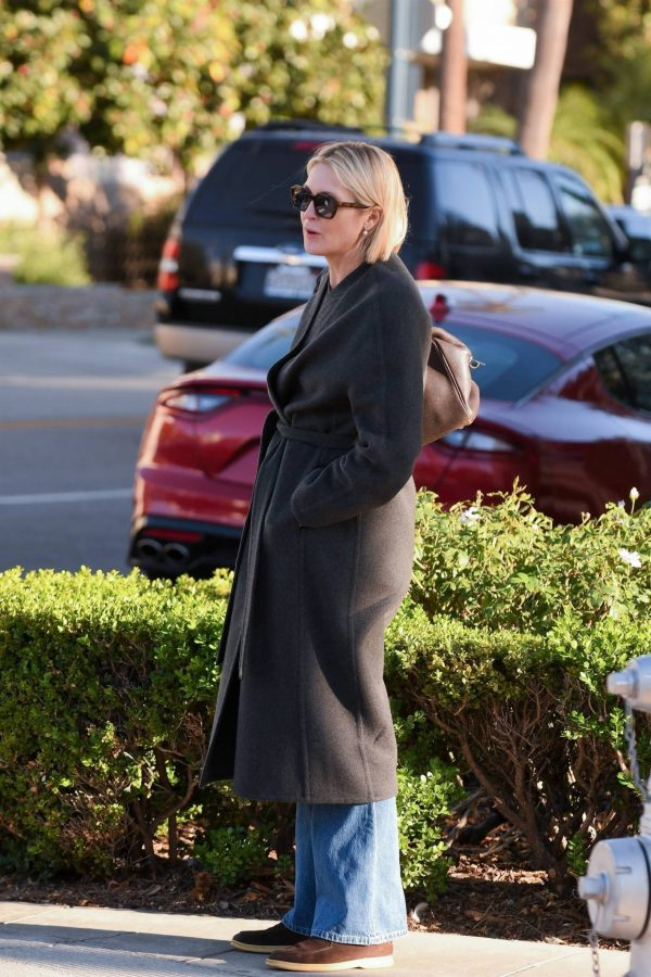 Kelly Rutherford Seen at Porta Via restaurant in Beverly Hills 04