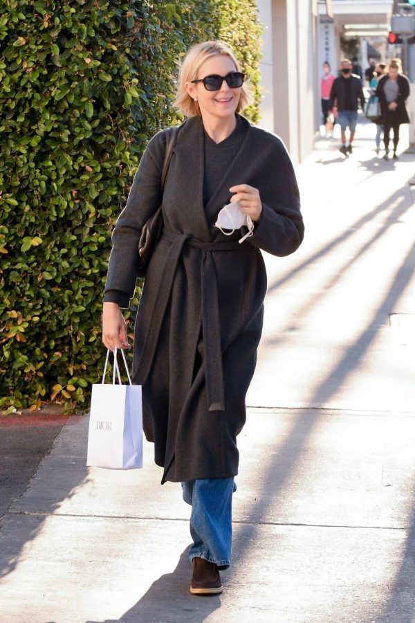 Kelly Rutherford Seen at Porta Via restaurant in Beverly Hills 05