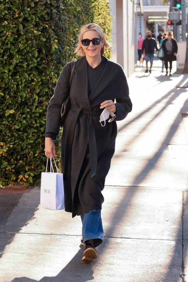 Kelly Rutherford Seen at Porta Via restaurant in Beverly Hills 09