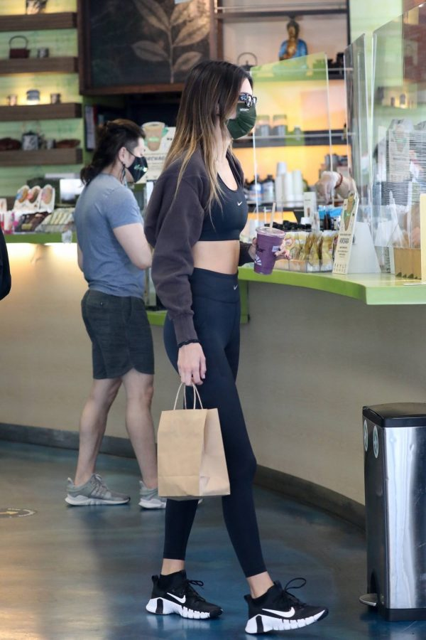 Kendall Jenner and Hailey Baldwin Shopping candids at Earthbar in West Hollywood 05