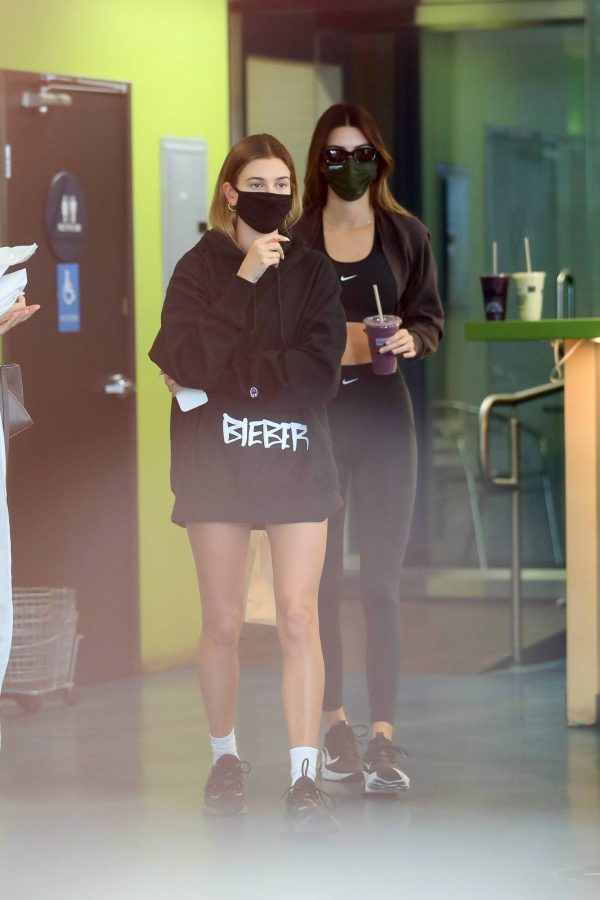 Kendall Jenner and Hailey Baldwin Shopping candids at Earthbar in West Hollywood 11
