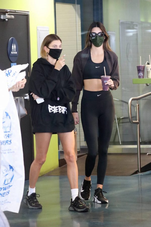 Kendall Jenner and Hailey Baldwin Shopping candids at Earthbar in West Hollywood 18