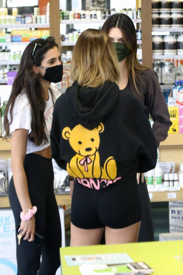 Kendall Jenner and Hailey Baldwin Shopping candids at Earthbar in West Hollywood 21
