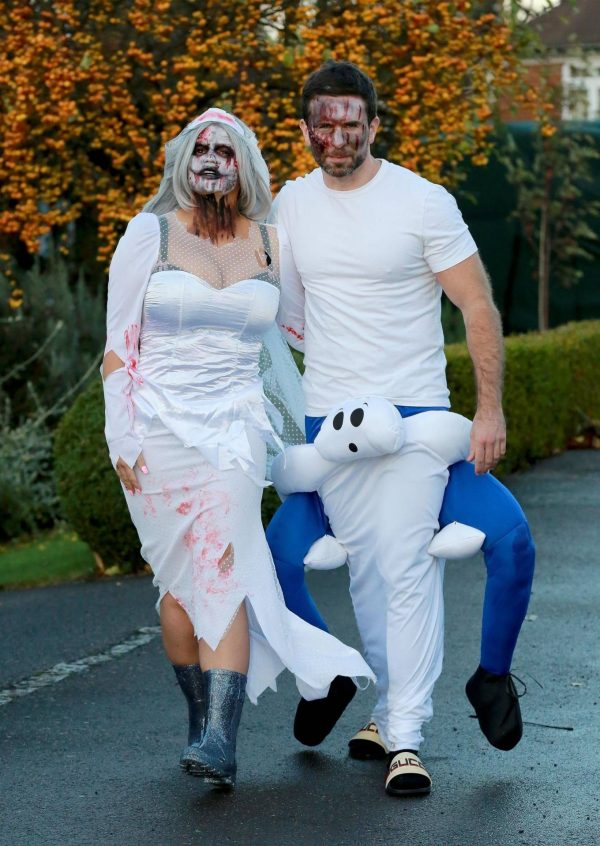 Kerry Katona Seen while celebrates Halloween at home in Sussex 06