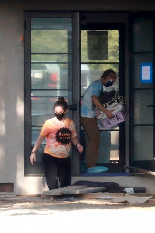 Kristen Bell Wearing a Vote T Shirt in Los Feliz 13