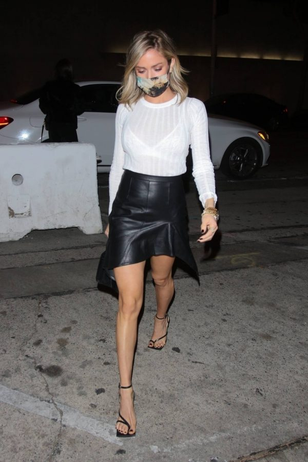 Kristin Cavallari Seen outside Craigs in West Hollywood 14
