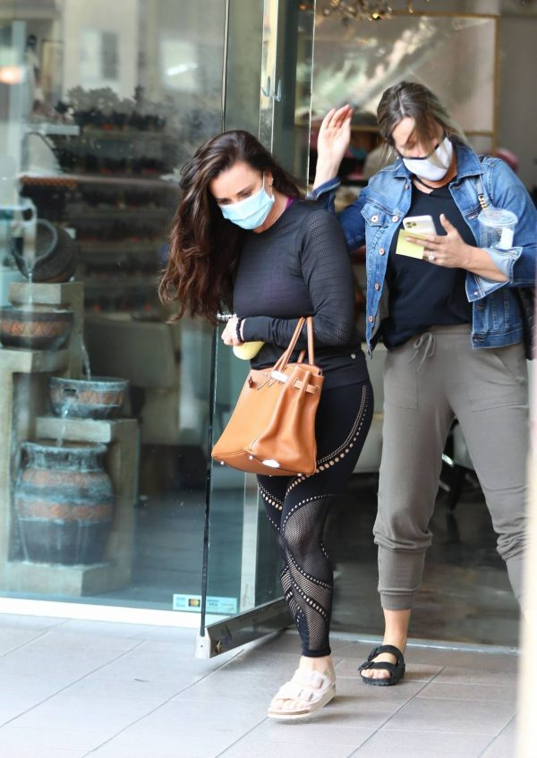 Kyle Richards Seen leaving a Nail Salon in Encino 20