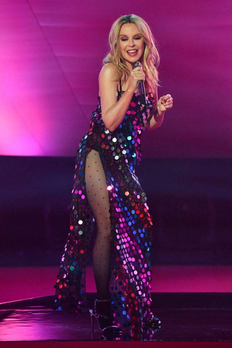 Kylie Minogue Performing at Graham Norton Show 06
