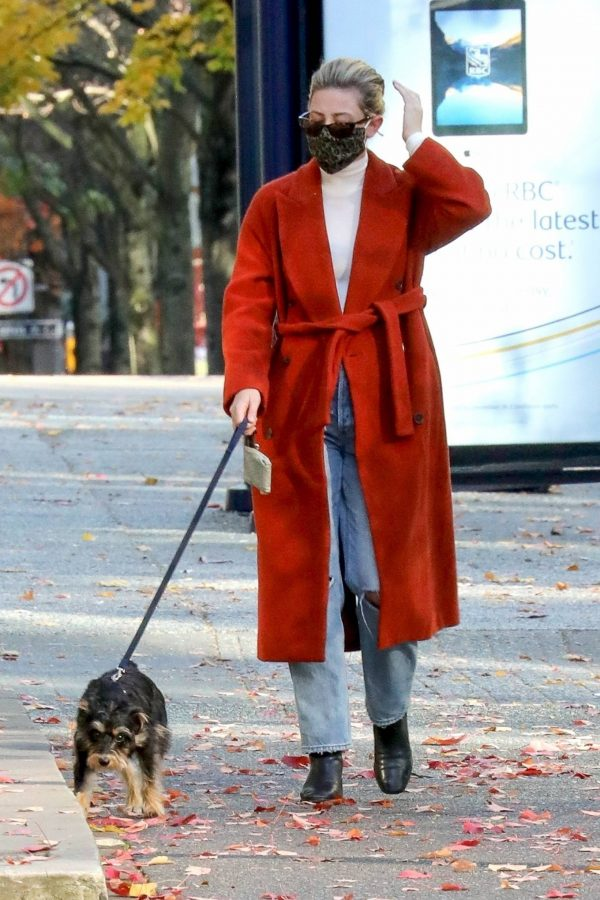 Lili Reinhart Out for a walk in Vancouver 02