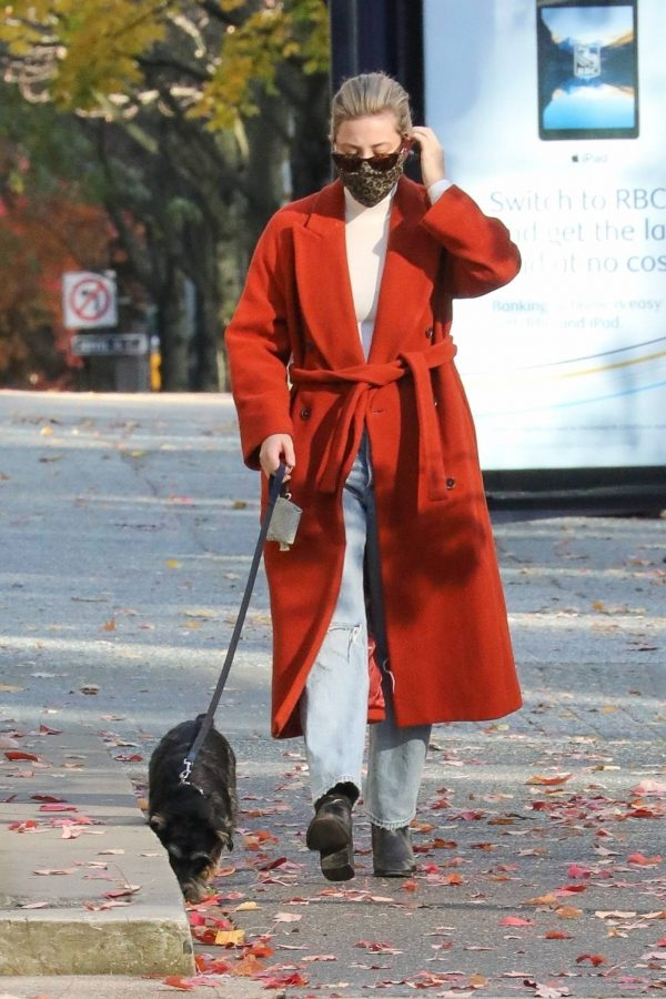 Lili Reinhart Out for a walk in Vancouver 09