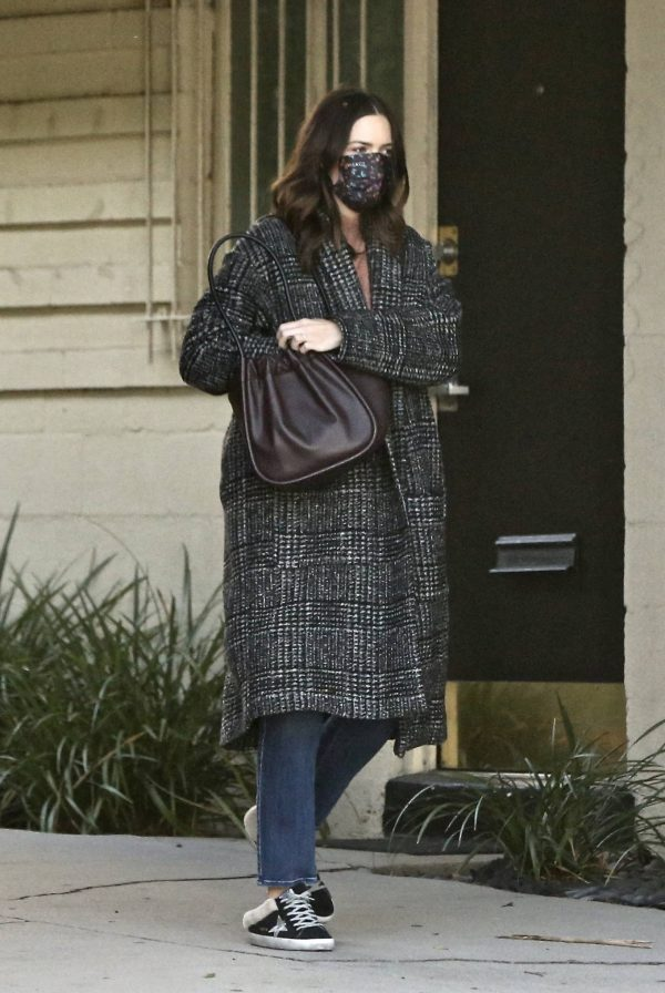 Mandy Moore Seen out in Los Angeles 01