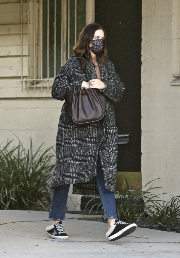 Mandy Moore Seen out in Los Angeles 09
