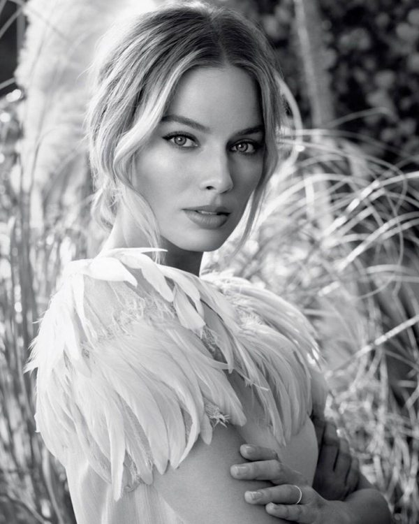 Margot Robbie Once Upon a Time in Hollywood 2020 08