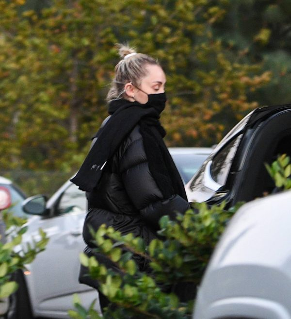 Miley Cyrus Spotted in Studio City 02