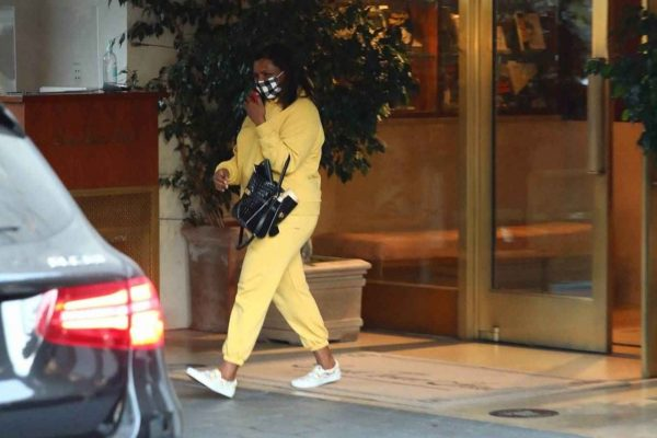 Mindy Kaling Leaving Sunset Tower Hotel in West Hollywood 01