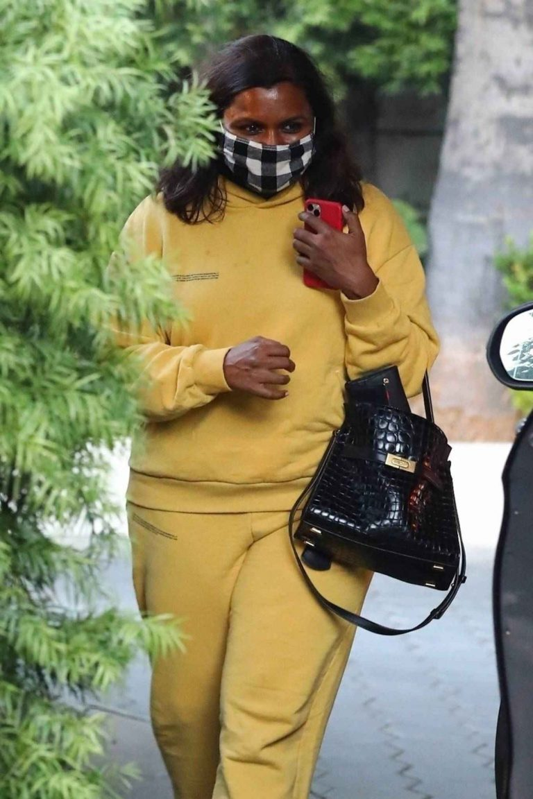Mindy Kaling Leaving Sunset Tower Hotel in West Hollywood 02