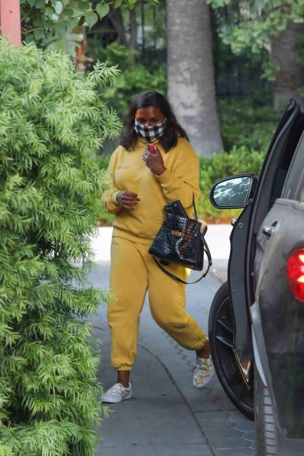 Mindy Kaling Leaving Sunset Tower Hotel in West Hollywood 03