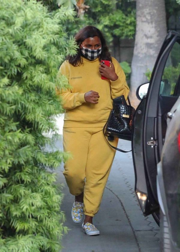 Mindy Kaling Leaving Sunset Tower Hotel in West Hollywood 04