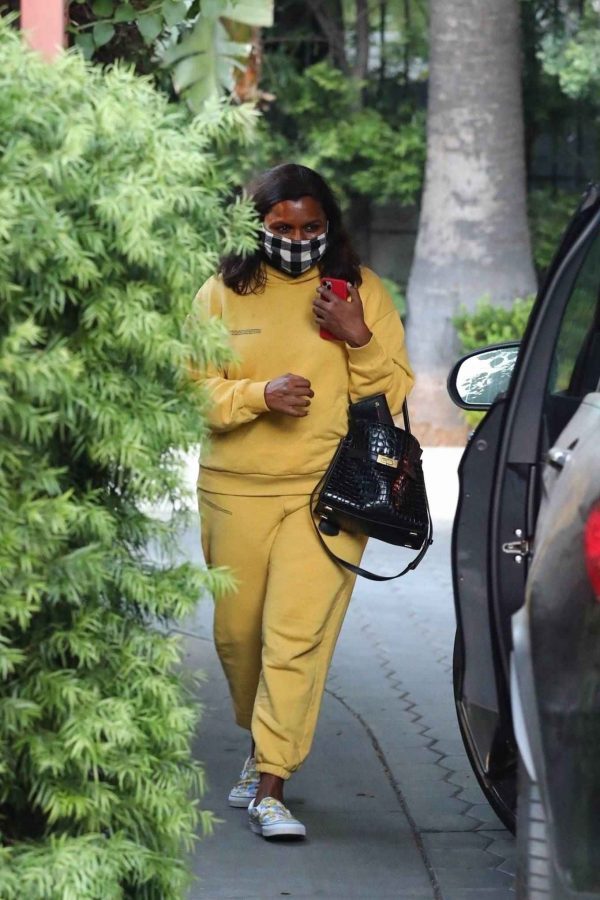 Mindy Kaling Leaving Sunset Tower Hotel in West Hollywood 06