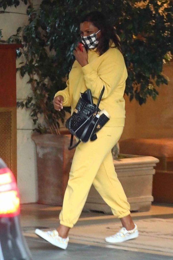 Mindy Kaling Leaving Sunset Tower Hotel in West Hollywood 07