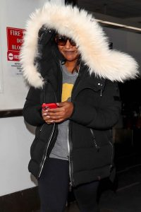 Mindy Kaling Seen at LAX Airport in Los Angeles 06