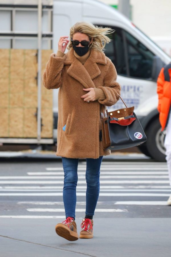 Nicky Hilton Casting her vote at the polls in New York 04