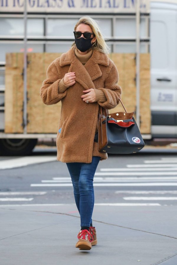 Nicky Hilton Casting her vote at the polls in New York 08