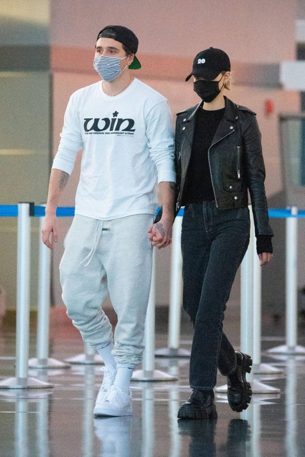 Nicola Peltz Spotted at JFK Airport in New York 16