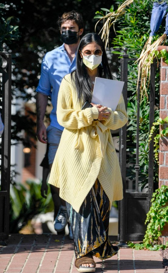 Nicole Scherzinger and Thom Evans House Hunting in Los Angeles 01
