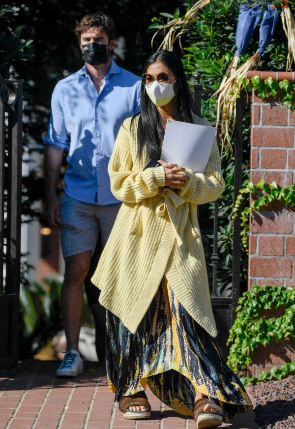 Nicole Scherzinger and Thom Evans House Hunting in Los Angeles 05