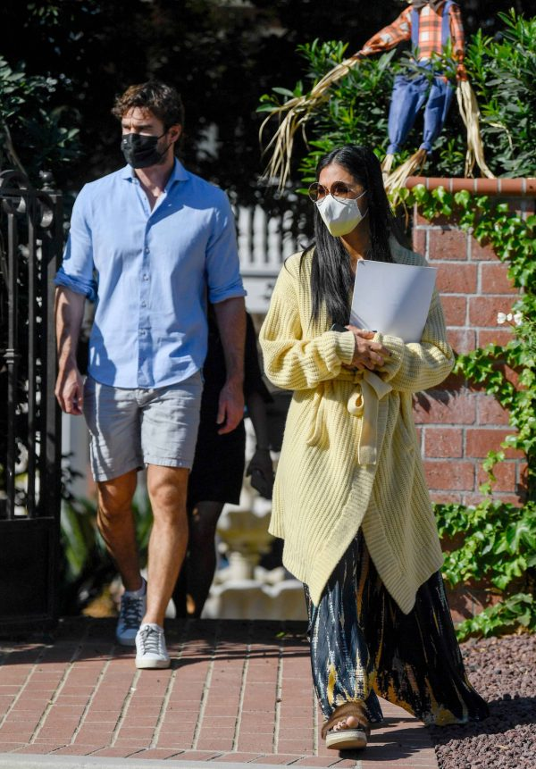 Nicole Scherzinger and Thom Evans House Hunting in Los Angeles 16