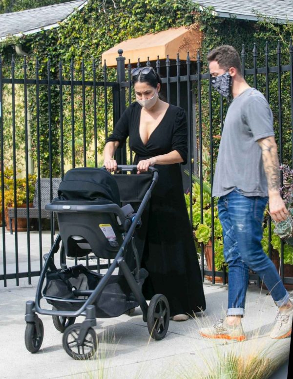 Nikki Bella Takes son Matteo out in Studio City 07