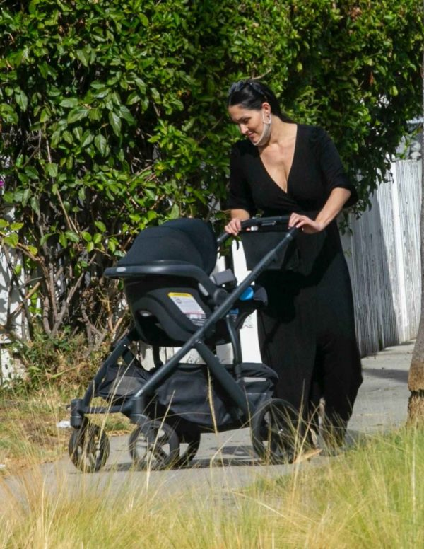 Nikki Bella Takes son Matteo out in Studio City 10
