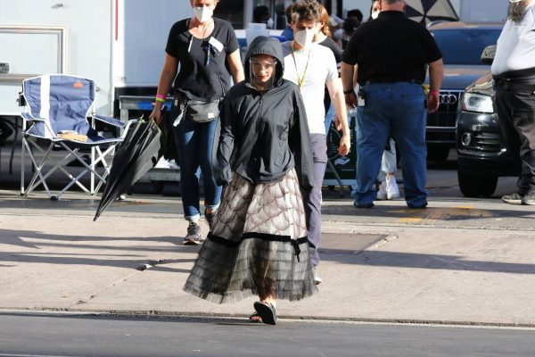 Olivia Wilde Filming Dont Worry Darling in Los Angeles 12