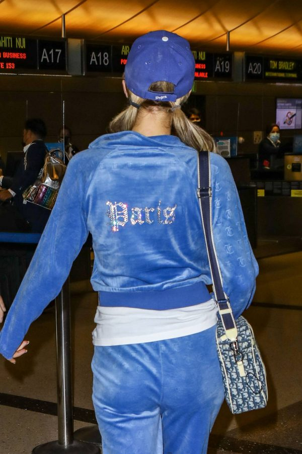 Paris Hilton Arriving at LAX airport in Los Angeles 28