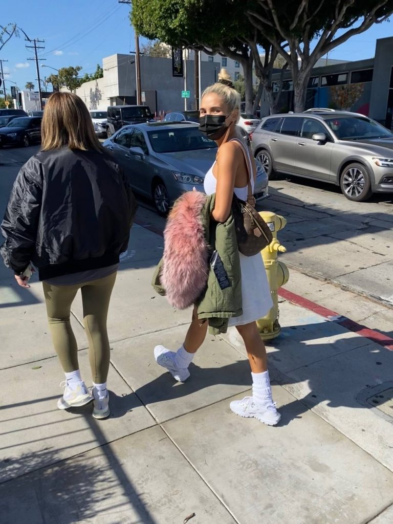 Pia Mia Running errands with a friend in West Hollywood 02