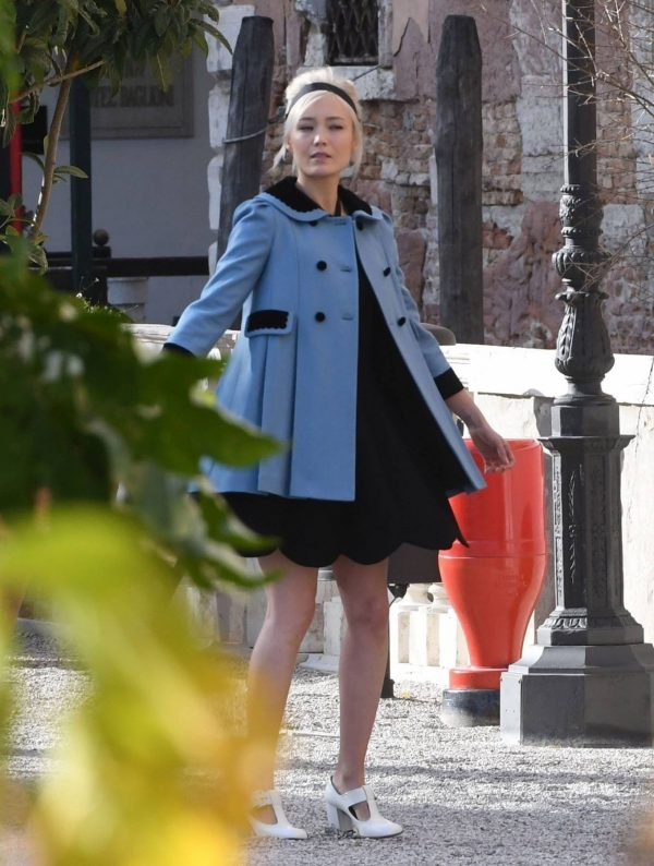 Pom Klementieff Making videos with Simon Pegg in Venice 02 1