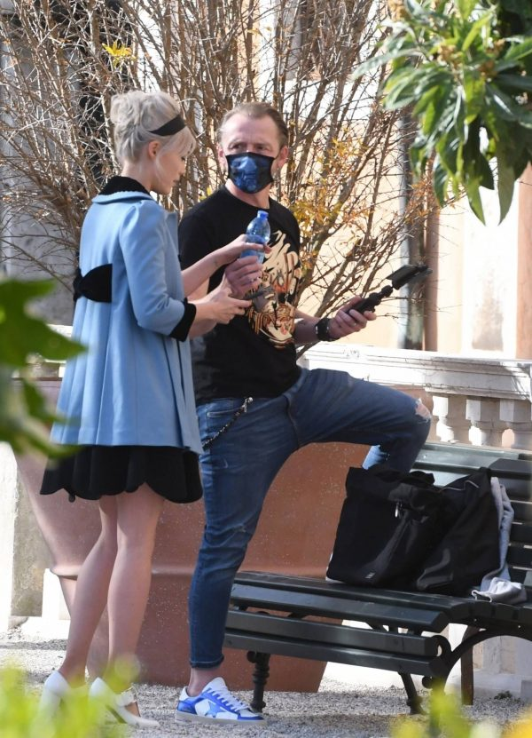 Pom Klementieff Making videos with Simon Pegg in Venice 12 1